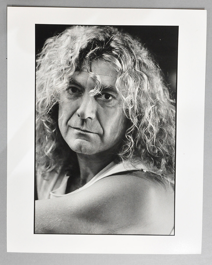 Portrait of Robert Plant. © The Estate of Jacques Lowe.