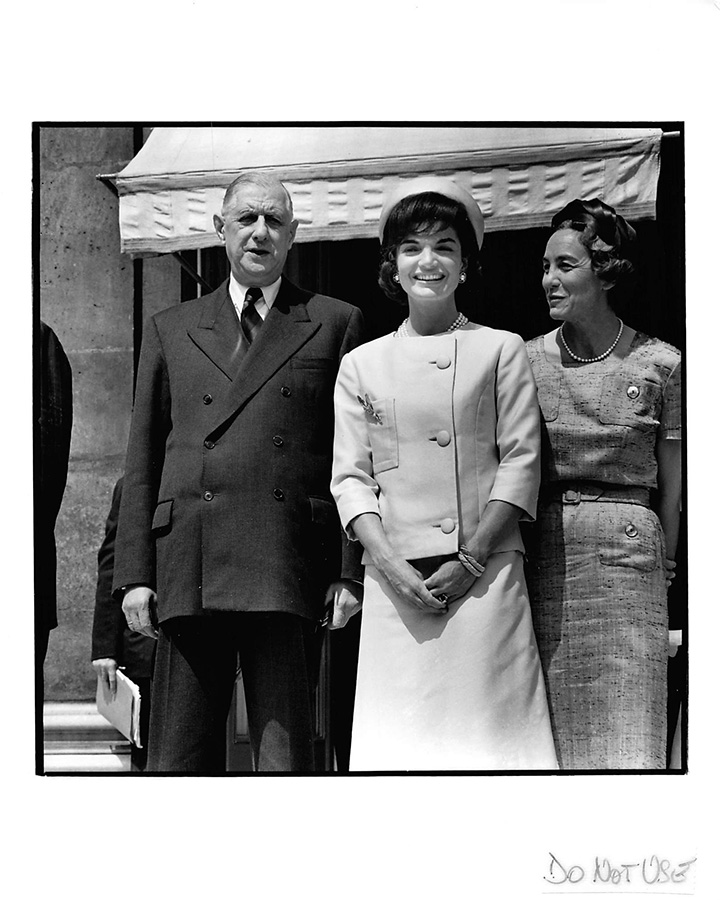 First Lady Jacqueline Kennedy with French President Charles de Gaulle, Paris, May 1961. Jackie's style and grace charmed the French, including the taciturn president. © The Estate of Jacques Lowe.