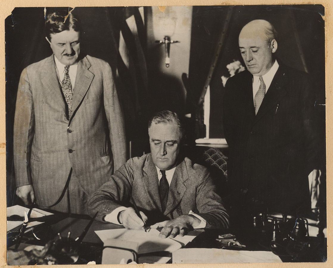 President Roosevelt signing the Emergency Railroad Act of 1933. Sam Rayburn Papers. di_03285