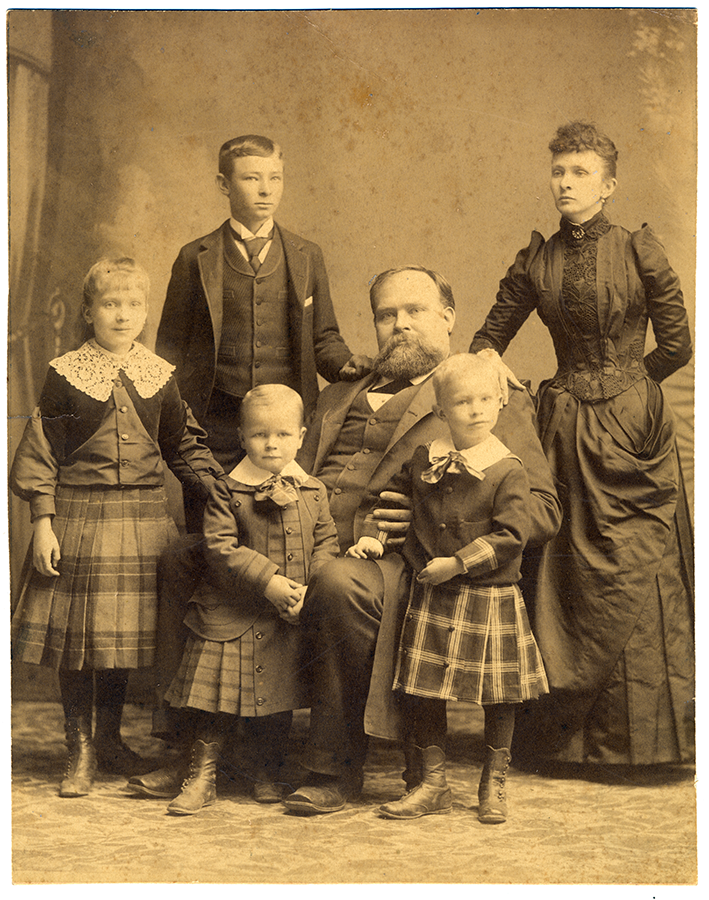 Portrait of James S. Hogg and his family (Miss Ima at left), ca. 1890. James Stephen Hogg Papers. di_01436